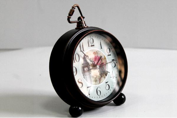 Ceasuri metalice cu alarma